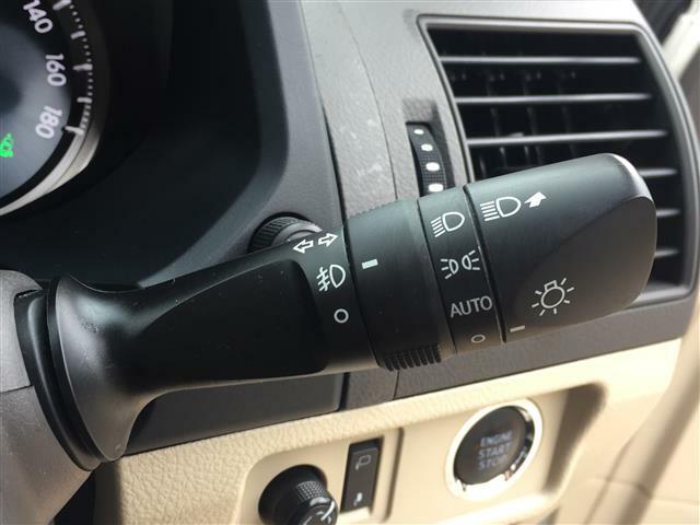【オートライト】付け忘れや消し忘れを防ぐことができます。高速道路などのトンネルなどにも役立ちます!