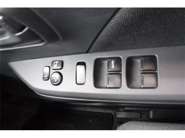 パwクァーウインドウ、電動格納ドアミラースイッチです。