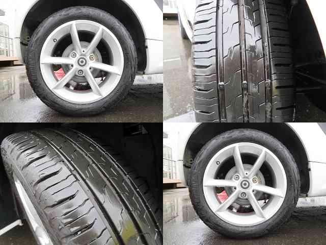 純正アルミホイール!タイヤの溝もまだまだたっぷり!