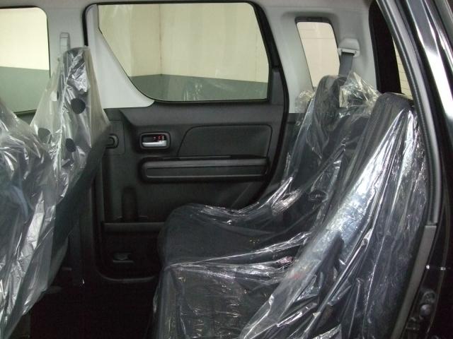 クッション性高く、ボディを包み込み、ロングドライブも非常に疲れにくいシート!!車の走り、乗り心地もこだわりたいですよね・・・。