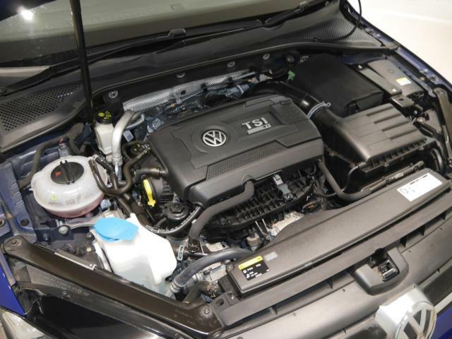 2.0L TSIエンジンは、モータースポーツ用のエンジンに匹敵する開発プログラムが適用されていて、出力280PSトルク380Nm(カタログ値)の力がアクセルの一踏みで加速を味わえます。