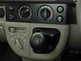 快適な車内空間に誘うマニュアルエアコン☆快適な空間は心落ち着きます♪5速マニュアルTM搭載!
