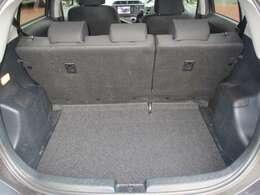 リヤラッゲージスペースです。後部座席は6:4に可倒します☆お荷物に応じて、可倒してお使い下さい。