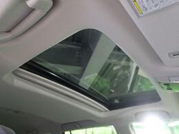 【ムーンルーフ】☆車内には解放感が溢れ、爽やかな風や太陽の穏やかな光が差し込みます☆