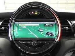 アクティブクルーズコントロール(先行車との車間を維持しながら自動で車速を制御)
