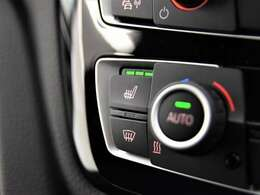 フロントシートヒーター装備。3段階で温度調整が可能です。