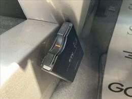 『高速道路の料金所もノンストップで通過できますね♪最初から付いてくれているのは嬉しい装備です☆遠方へのお出かけにはかかせないですね!カードを入れたら即使用出来るように致します』