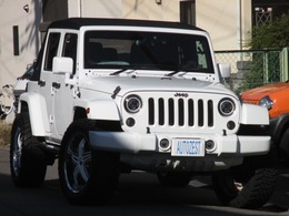 ジープ ラングラー アンリミテッド スポーツ 4WD 1オーナー/ナビ/LEDヘッド/サハラカスタム