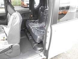 ご納車前に納車点検(法定12ヶ月点検相当)を実施し、基本性能に関わる機能や状態を徹底的に点検します。