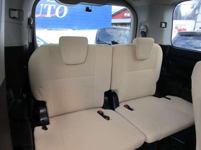 サードシートまで大人の方でも快適にお乗りいただける広さです!