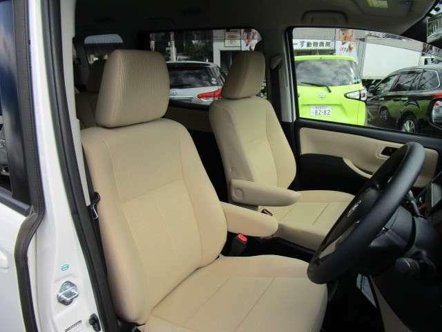 丁寧に使用されていて走行距離を感じさせない運転席シート!