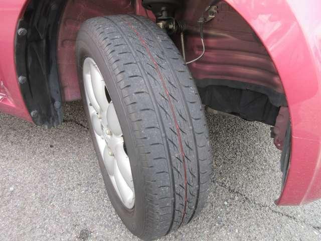 ☆タイヤの残り溝もバッチリ!交換まではかなり持ちますよ♪すぐに交換は寂しいですものね!(^○^)☆