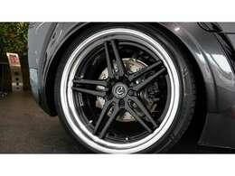 ・カラムスパイスグレー・スフェリックパーフォレーテッド・フルレザーシート(ヘッドレスト「i8」ロゴ付)・BMW i ブルーシートベルト・ディープブラック・セレクターレバー