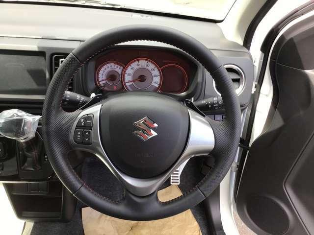 パドルシフトが付いておりマニュアル走行も可能でよりドライブを楽しめます!