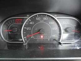 シンプルなメーター周りは見やすく配置されています。快適なドライブを楽しんで下さいね。