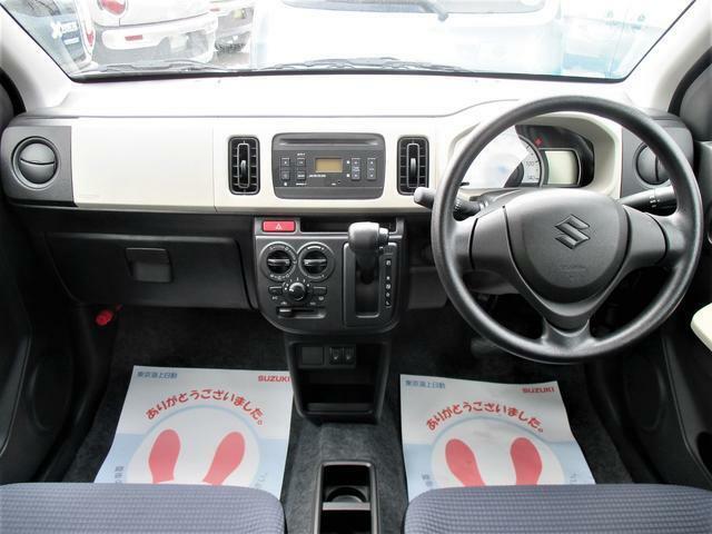 納車前には車内の清掃クリーニング、外装はワックス仕上げにての納車となります。