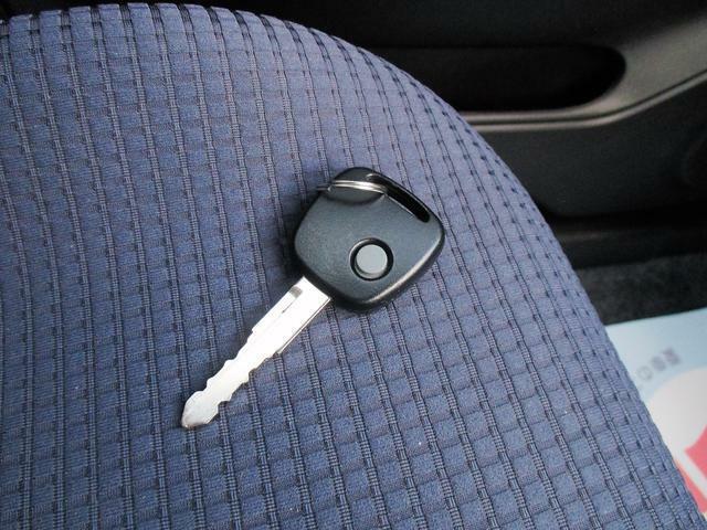 ボタン操作でドアの解錠・施錠が行えるキーです