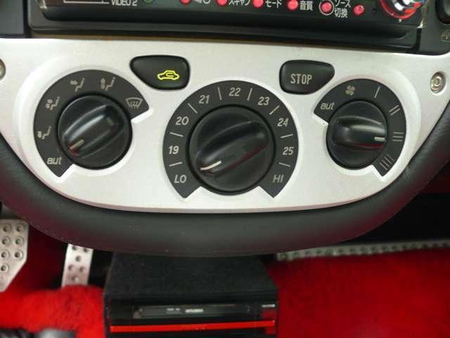 スイッチ類のベタつきを再塗装にて修正済み。ご来店の際はガレージ保管の為、事前にお電話にてご予約をお願い致します。全国納車対応可能です。まずはお気軽にお問合せ下さい。052-446-8618