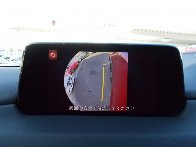 サイドカメラは運転席スイッチから切り替えが可能!狭い路地の走行時に役立ちますね☆