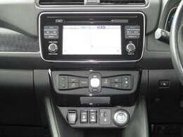 キーを挿さずにワンプッシュ♪簡単始動出来るインテリジェントキー、快適オートエアコンとシートヒーターを装備!!