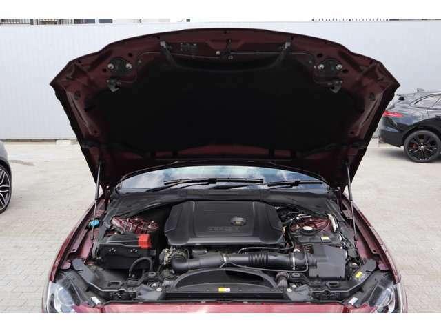 2リッターのインジニウムディーゼルエンジンを搭載。
