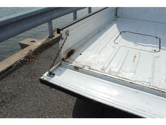 板金塗装/各種保険/ローンなどお取り扱いしております。お気軽にお問い合わせください。