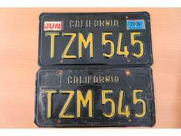 実際にカルフォニアで走行していた際のナンバープレートです。車両も希少ですが、アメリカで使用されていたナンバーも付いているので他の車両とは、違ったプレミアム感がありますね!