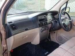 運転席は広々空間♪気になる点などございましたらお気軽にご連絡ください♪TEL:0078-6002-492190
