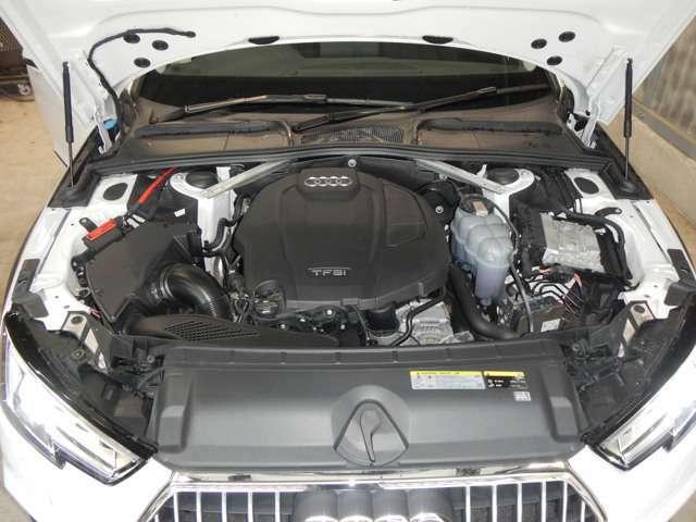 2.0TFSIターボチャージャー&インタークーラー付2L 直列4気筒DOHC16バルブ直噴ガソリンエンジンを搭載