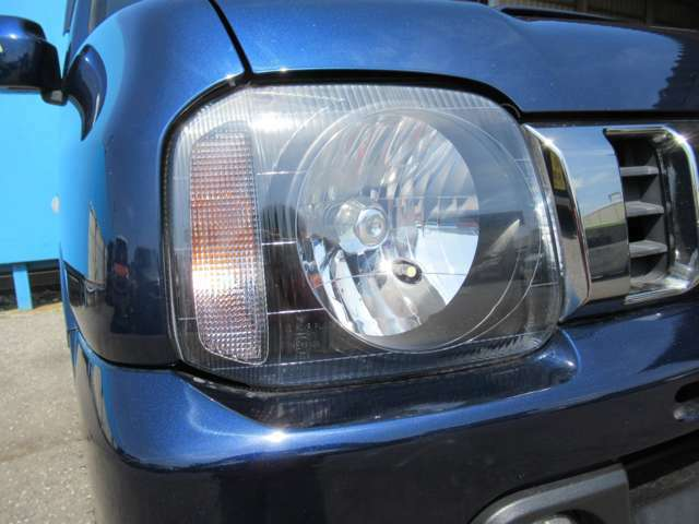 バルブの変更、リフトアップや社外AW、お好みの色への全塗装などカスタムのご相談も承ります!お客様の理想のお車作りのお手伝いを致します!ご一緒にこの世に1台しかないお車を作りませんか?