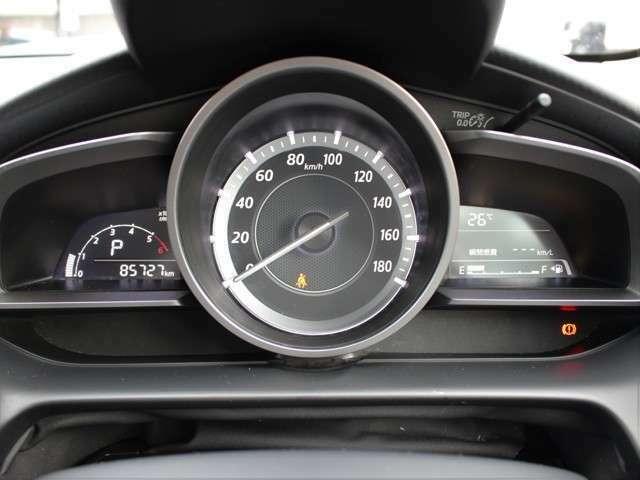 距離もまだまだ8.6万キロ!タイミングチェーン式のエンジンなので交換不要です★