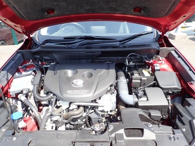 CO2の排出量の少なさなどディーゼルエンジンの長所を生かし上質で快適な走りを実現させたSKYACTIV-D!
