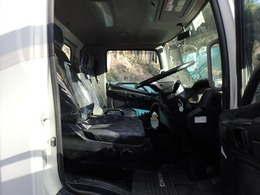 乗車定員:3人 走行:74,744km AC PS PW AB 左電動ミラー AT(オートマ) DPR(排気ガス浄化装置) 排ガスマフラーは当社にて洗浄済みです。