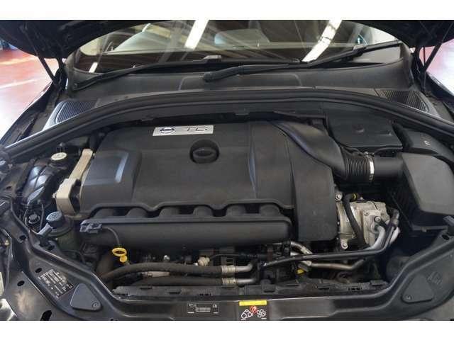 Bプラン画像:車の心臓とも言えるエンジンも綺麗です☆