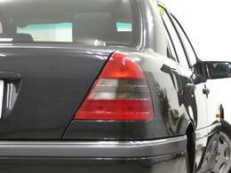 事故歴も無い2ケタナンバー1オーナー車! 弊社買取り直販ならではの価格設定です!
