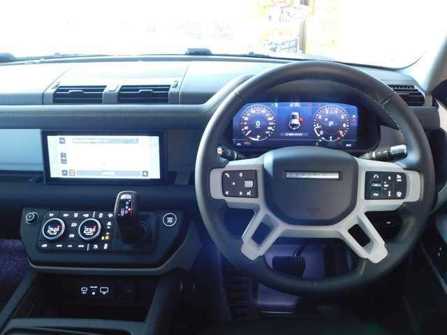 ACアダプティブクルーズコントロール搭載。高速道路や渋滞中の道路などで、前方の車と安全な車間距離を自動で保ちます。