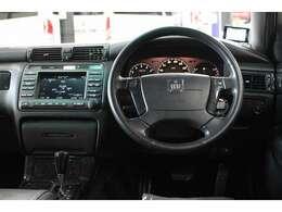 JAAA(NPO法人日本自動車鑑定協会)による鑑定書付きです!!鑑定項目は車体、内装、機関、骨格の4つ。プロの鑑定士がチェックし、それぞれの項目についてグレードを定めます。クルマの状態が一目瞭然です。