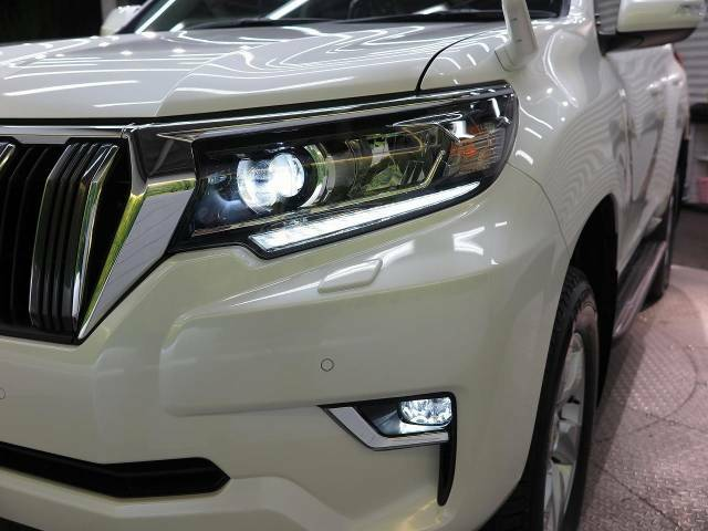 【LEDヘッドライト】ヘッドライトは最新のLED式になっております! 悪天候や夜間の走行も視界良好で安心してお乗りいただけます。