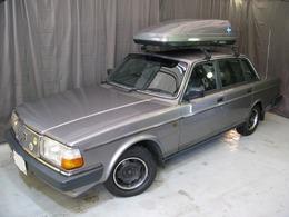 ボルボ 240 GL 黒革シート