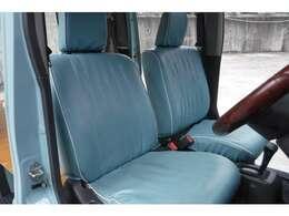 シートカバーもボディカラー同色になっております。状態も良いです。