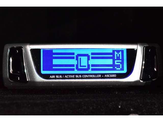 ☆DataSystem ASC680 エアサスコントローラーを新品にて装着させて頂いております。【エアサスコントローラーの簡単操作にて、お好みの車高へ調整が自由自在です!】☆