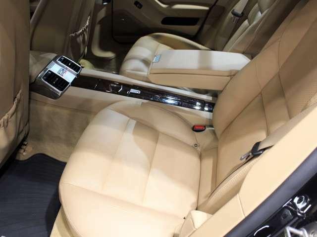 ご来店のご都合がつかないお客様はお車をお持ちする事も可能です。お車選びの第一歩はお客様の目で見て頂く事です!□ご購入頂いた沢山のお客様からも口コミを頂いております。是非ご覧ください!!