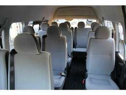2014年12月登録/型式:CBF-TRH228B/2ナンバー(普通乗合車)/1年車検/4WD/2700cc/ガソリン車/14人乗り/★運転には、中型免許(8t限定解除)以上が必要です。