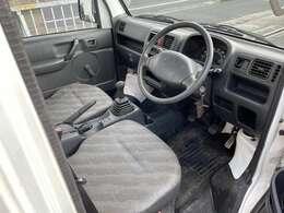 室内も軽トラックにしては綺麗な方ではないでしょうか