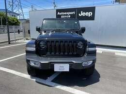 お客様の大切なお車を責任をもって整備いたします。JEEP岡山では厳選したお車を常時展示しております。