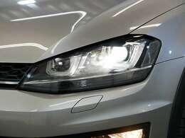 LEDポジション内蔵バイキセノンヘッドライト☆関東最大級のAudi・VW専門店!豊富な専門知識・経験で納車後もサポートさせていただきます☆