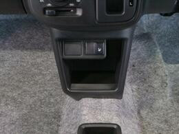 運転席側シートヒーター標準装備です!