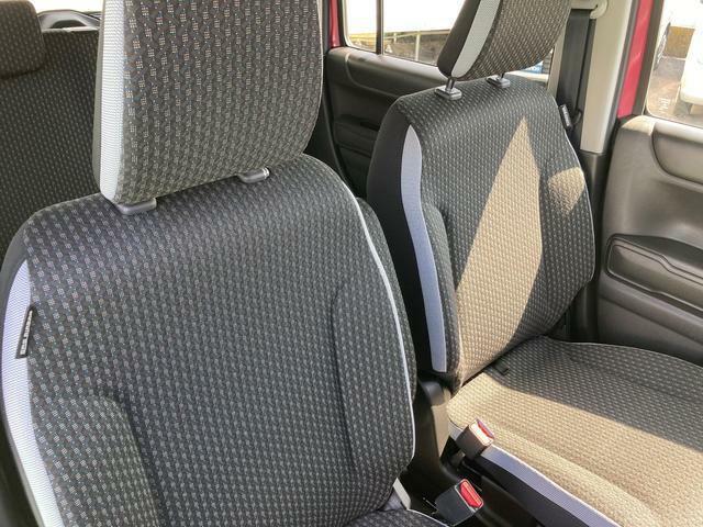 フロントセパレートシートなので、運転席広々、助手席も広々!