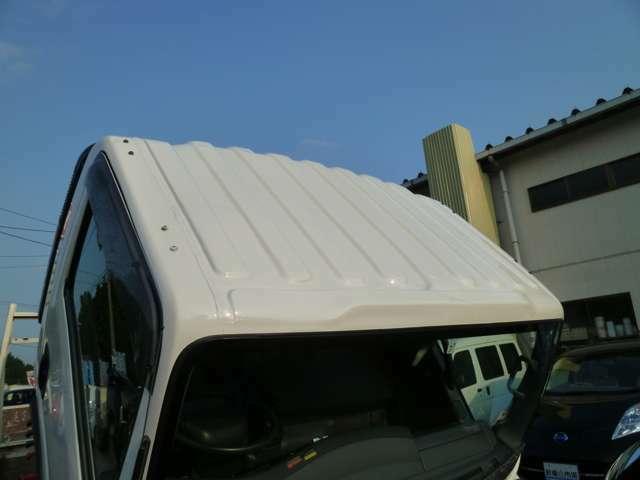 当店おすすめ★G´ZOXニューリアルガラスコート★ガラス系被膜に高レベルの撥水性能を付与させることで、しっかり雨を弾くとともに、酸性雨や水アカからしっかりボディを守ります。軽自動車(新車)35,000円~