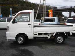 記載の総額は「岡山県内納車」する場合の金額です。県外の方は申し訳ありませんが「車体のみの現状販売」とさせて頂きます。当店が頂くのは車代+リサイクル料です。お客様で車検・名義登録・引取りなどお願いします